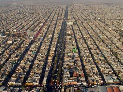 マス目の都市ネツァワルコトヨルはまるでシムシティTOP