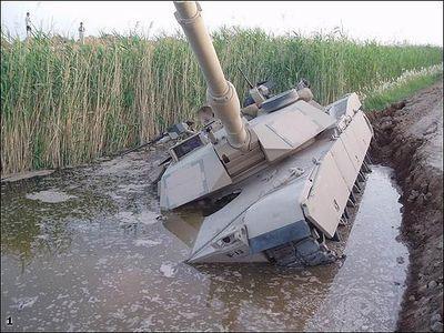 事故を起こした戦車10