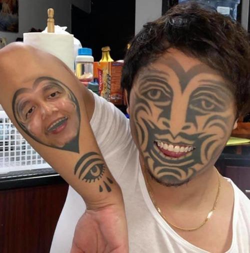 タトゥーと顔交換アプリを使うとホラーになる01