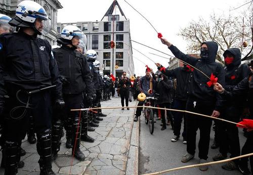 ドーナツで抗議02