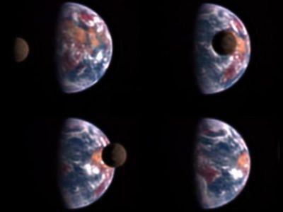 5000万キロメートル先から見た地球と月の姿