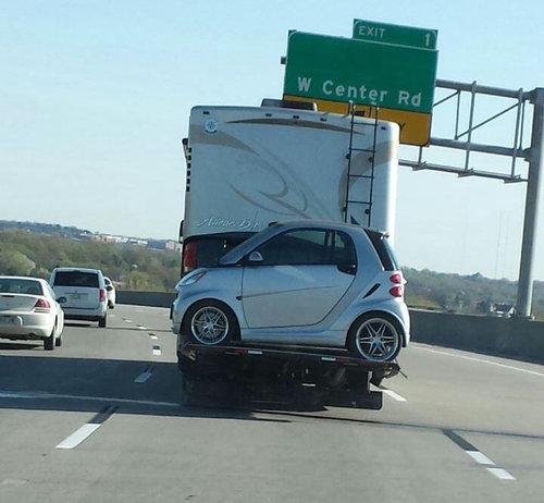 14日常の道路で見かけるいろんな乗り物、車たちの状態