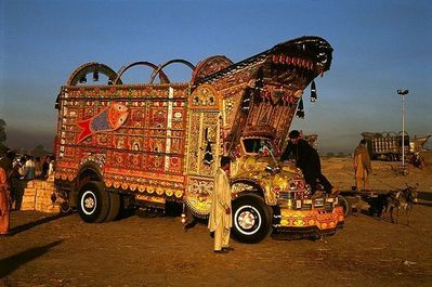 パキスタンのデコトラ13