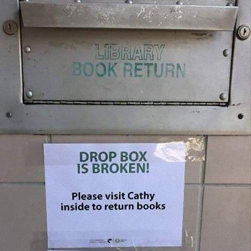 図書館で働く人のアプローチ00
