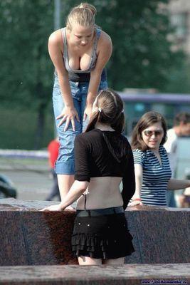 噴水でずぶ濡れロシアの美少女09