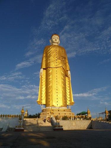 世界の巨大像13