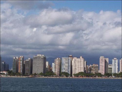 ブラジルの傾いたビル01