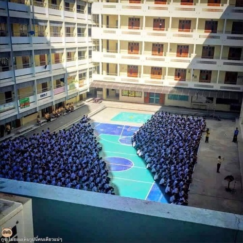 全員ヴァンパイアの学校01