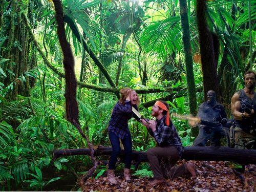 森の中で自動撮影にしてプロポーズ09