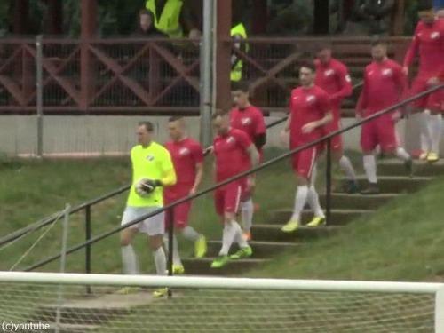 ハンガリー人のサッカー選手の入場のしかた00