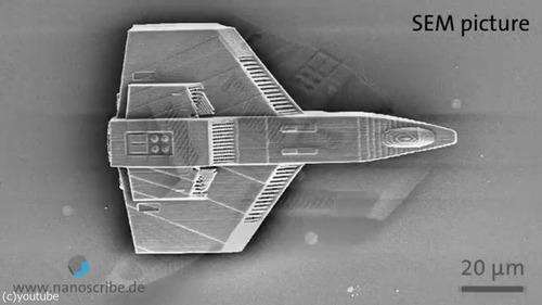 3Dプリンターで世界最小、30ミクロンのボートを02