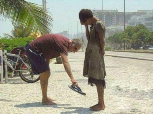 世界には親切があふれている00