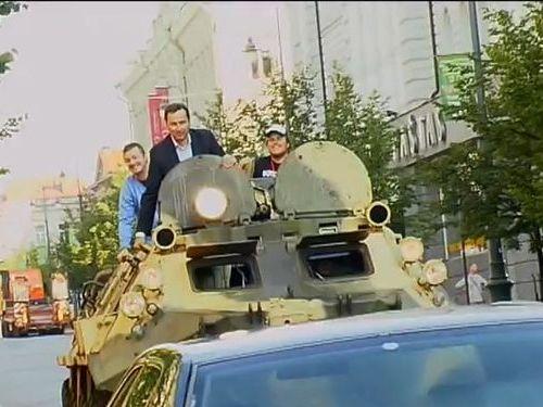 装甲車で違法駐車を潰す00