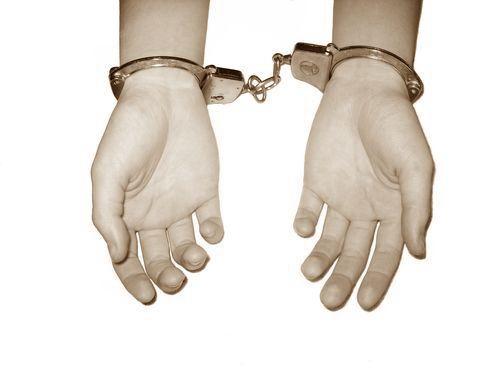無実の罪で27年服役した男性00