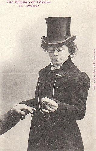 100年前に想像した未来の女性像18