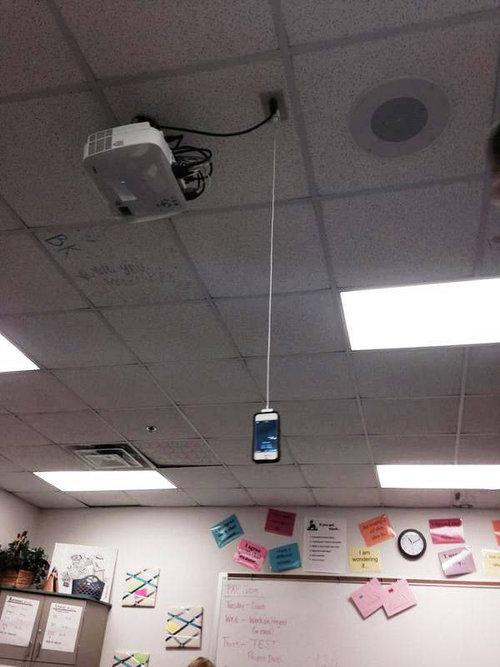 天井からスマホの充電12