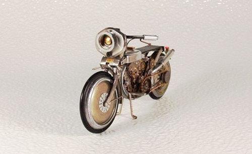 時計で作ったバイク10