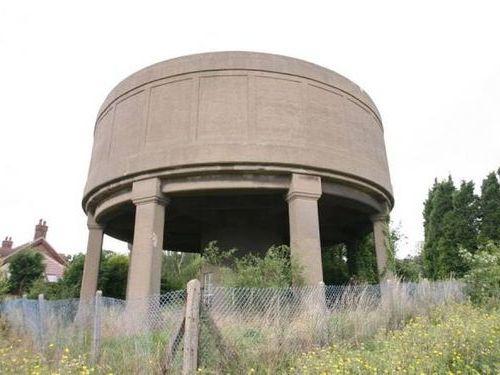 給水塔を自宅にリフォーム00