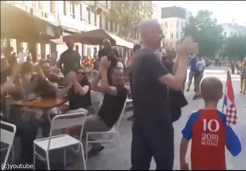 クロアチアの家族が今ベルギーの街を歩くと…04