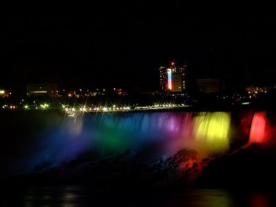 七色に輝く夜のナイアガラ02