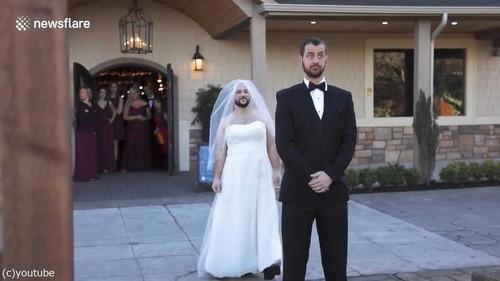 背中を叩くのが花嫁ではなく親友だったとき01