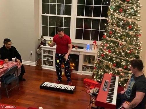 クリスマスソングのジャグリング01