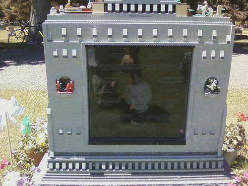 レゴのお墓03