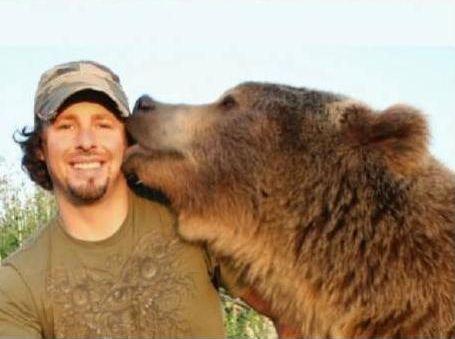 クマを育てた男09