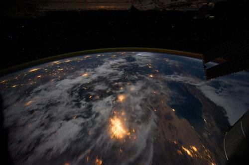 ISSから見た夜景30