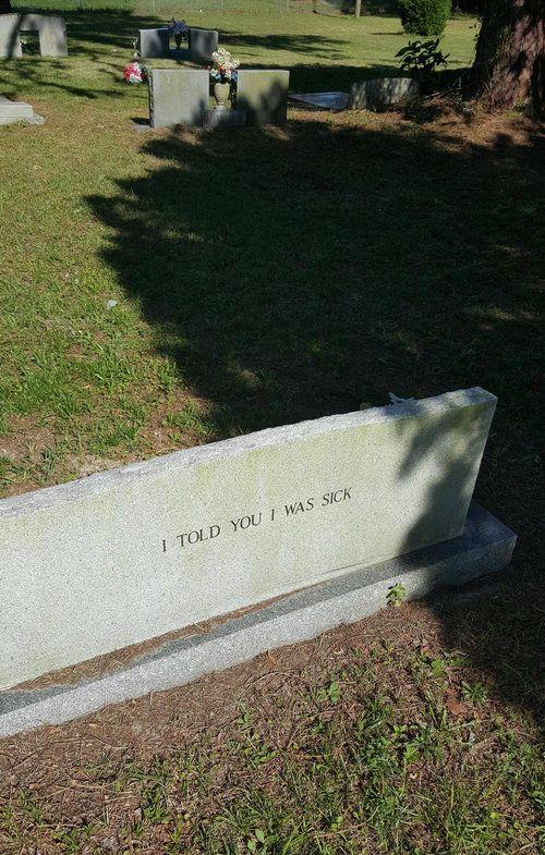 近所の墓石01