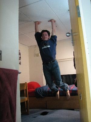 友達が留守の間に部屋を上下さかさまにしたドッキリ08