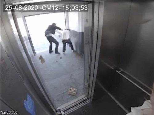 エレベーターと強風00