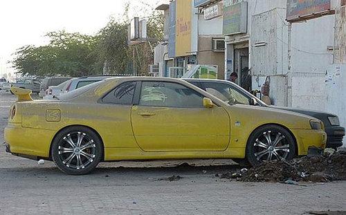 ドバイに乗り捨てられた車11