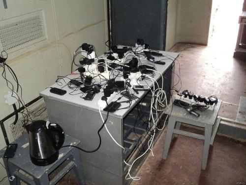 ロシア軍人のスマホ充電09