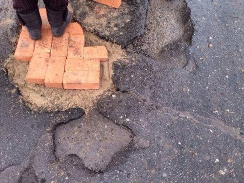 ロシア流の道路補修05