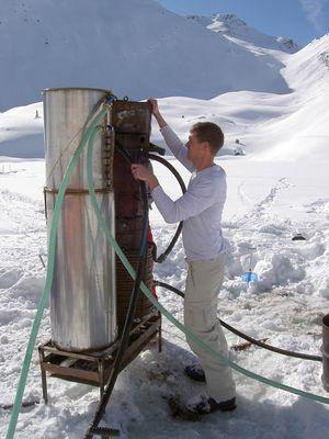 雪山の頂でお風呂05