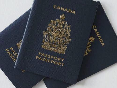 カナダの新パスポート00