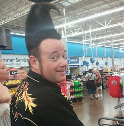 斬新なヘアスタイルとは彼のための称号