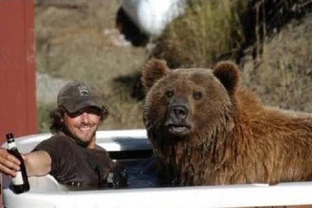 クマを育てた男10