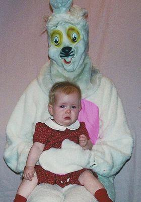 嫌なウサギ着ぐるみ15