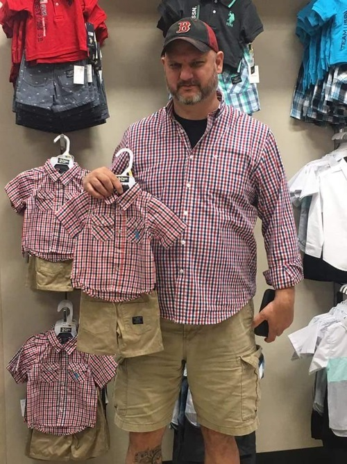 5歳児みたいなファッションの兄01