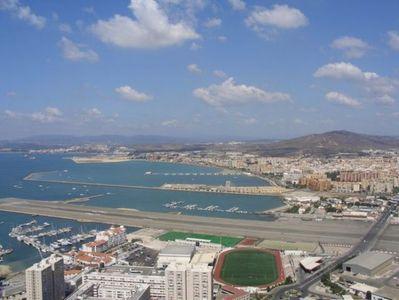 ジブラルタル空港06