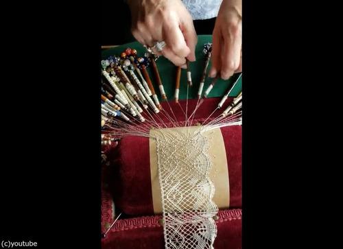 伝統的レースの編み方03