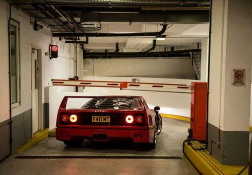 フェラーリを買おう01