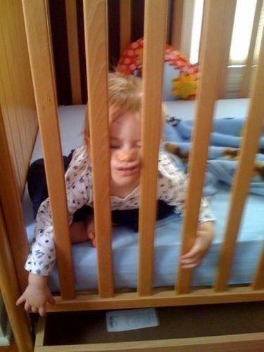 子供たちはどこでも寝る15