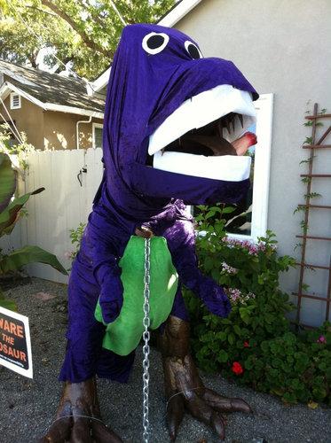 庭にいる恐竜03