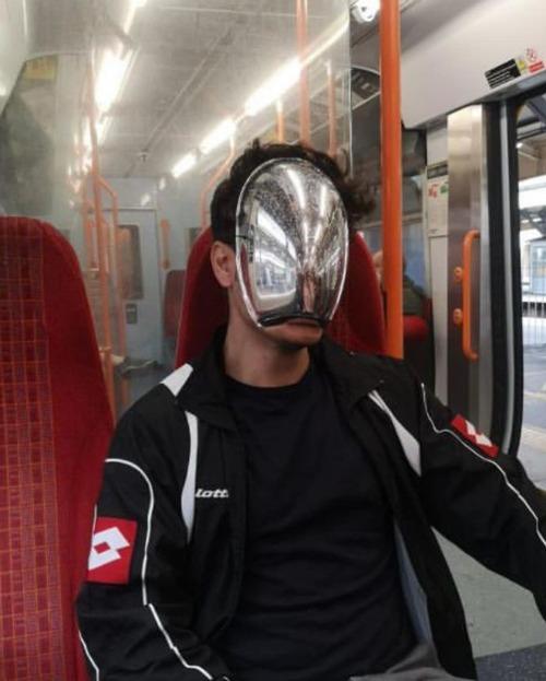 ニューヨーク地下鉄のマスク07