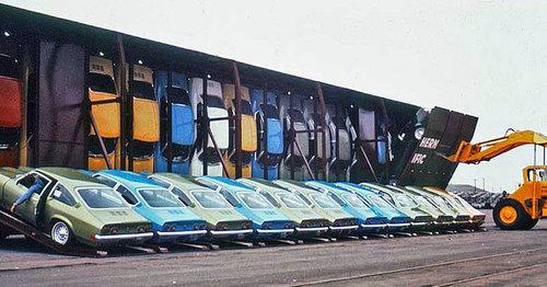 70年代の車の運搬のしかた02