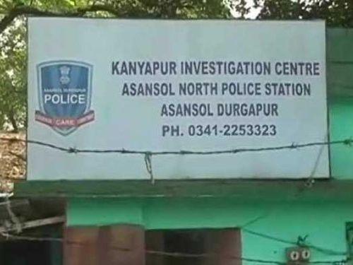 インドの売春宿を摘発したら警官だった00