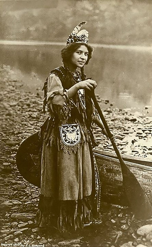 アメリカ先住民の女の子たち06